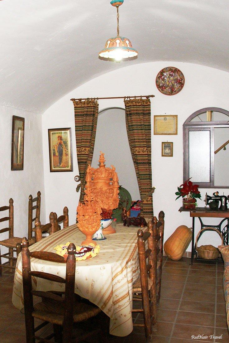 Гуадикс, дом-пещера внутри