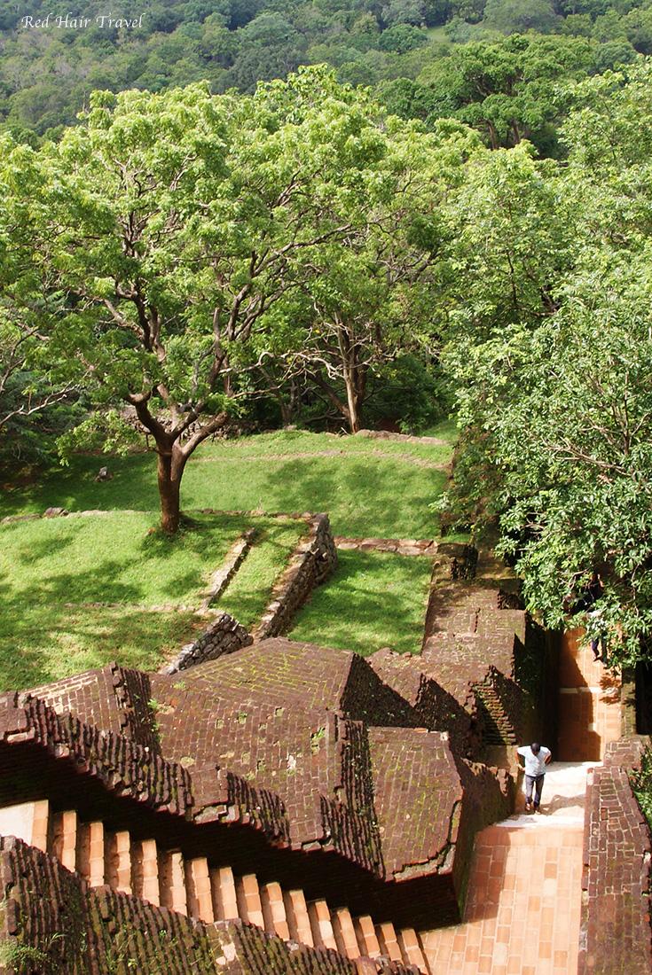 сигирия, Шри Ланка, 1200 ступеней