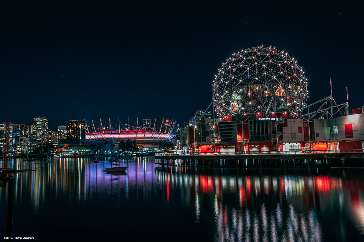 Музей Науки, Ванкувер, ночной вид