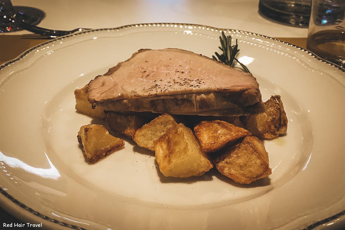 Свиной окорок по-тоскански с картофелем
