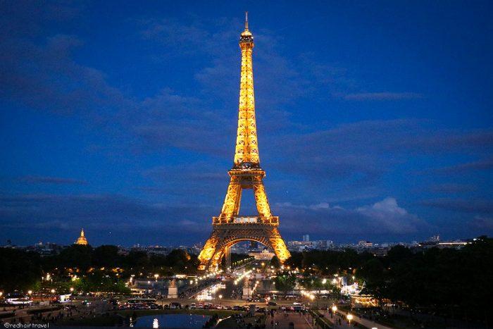 Эйфелева башня ночью, Париж